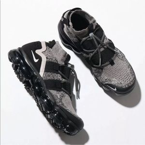 Nike Vapormax Utility Sneakers New Moon Particle